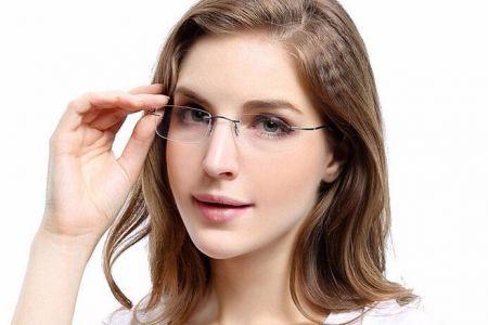 Combine óculos com o formato do seu rosto